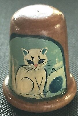 Beautiful Vintage Wooden Painted Thimble Of A Cat. T-1036