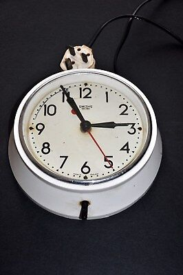 Vintage Smiths Sectric White (Bakelite?) Electric Wall Clock