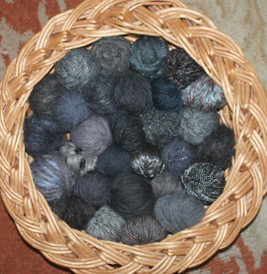 394g Job Lot Mixed Wool/Yarn 30 Balls/texture Dark to Mid Grey Paynes grey
