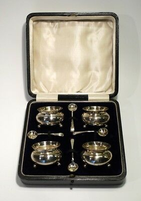 Wonderful Set of 4 Antique Silver Salts & Spoons in Case - Hallmarked Birm 1910.
