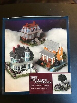 Liberty Falls boxed Village Lot w Free Accessory Mrs. Griffins Garden *NICE*