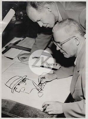 CHESTER GOULD Ray DICK TRACY Cartoonist Bande dessinée Comic Strip Photo 1953