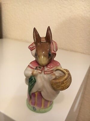 Beatrix Potter figurine MRS RABBIT  BP3b 1974-1985