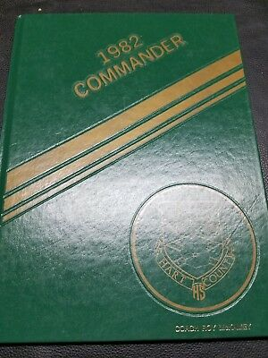 1982 COMMANDER HART COUNTY HIGH SCHOOL Yearbook  MUNFORDVILLE, KENTUCKY