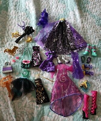 Monster High/Ever After High Clothing Shoes And Accessories Lot