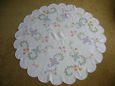 Vintage Round Hand Embroidered Linen Table Cloth with scalloped edge lovely cond
