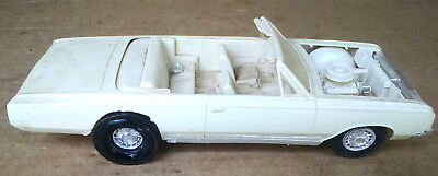 Vintage 1964 Oldsmobile Cutlass Convertible Built Model Kit Old One