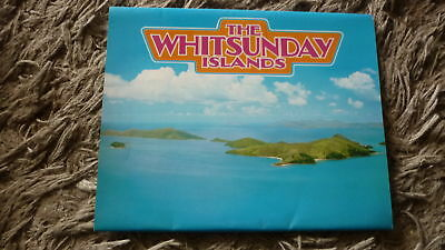 AUSTRALIAN OLD POSTCARD VIEW FOLDER. FROM THE 1980s WHITSUNDAY ISLANDS QLD
