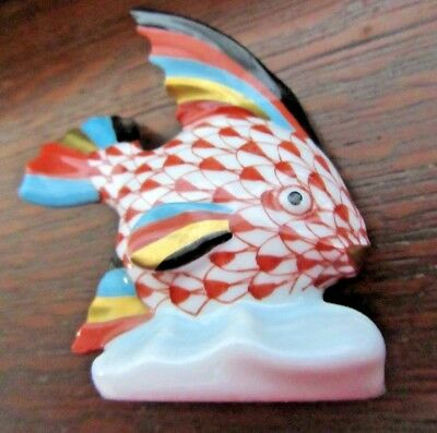 """Vintage HEREND Hungary Fish Figurine Fishnet w/ 24KT Gold Accents 2 1/2"""" Tall"""
