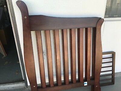 storkcraft 4 in one crib pre owned great condition
