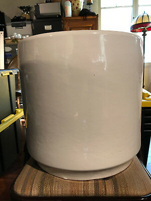 Large Modernist Planter, US Pottery of Paramount California, Made in the USA #14