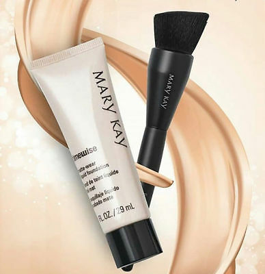 Mary Kay Liquid Foundation Brush/ primer brush. New release.