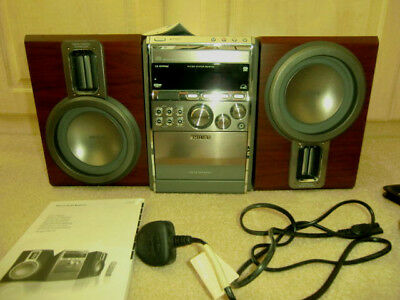 Phillips  MCM760 Micro Hi-Fi with book and remote and Speakers