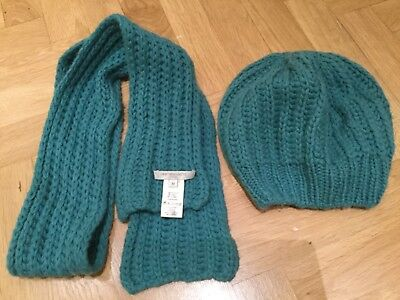 Caramel Baby luxury knit scarf and beanie set. Size Medium 5-10 years