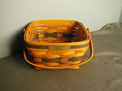 LONGABERGER BASKET - JW COLLECTION 1990 BERRY BASKET - PLAQUE - HANDLE - 10 tst