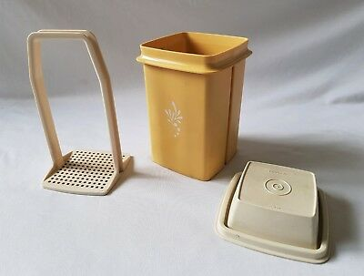 Vintage C1970's Harvest Gold Tupperware Beetroot Container / Server - Complete