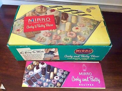 Vtg Heavy Duty Mirro Aluminum Cookie Pastry Press #358-AM 22 pc set Recipe Book