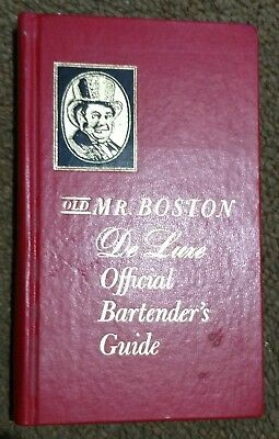 1970 Old Mr Boston Deluxe Official Bartenders Guide