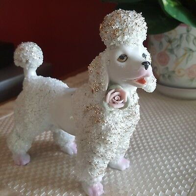 POODLE WITH FLOWER *GOLD TRIM * VINTAGE FIGURINE * - Japan