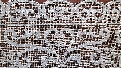 """antique knotted filet lace tablecloth/tabletopper 32.5"""" sq, cream hearts+flowers"""