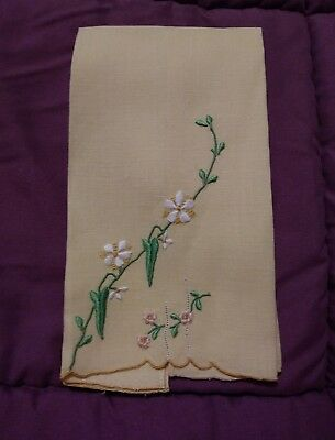 """1 Beautiful Madeira Embroidered  Linen Hand Towel 14"""" by 8"""""""