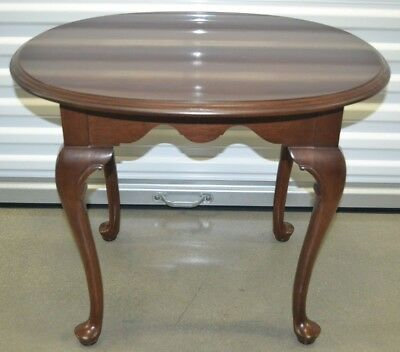 Ethan Allen Georgian Court Oval End Table Accent Table Cherry #11-8306 ca 1990