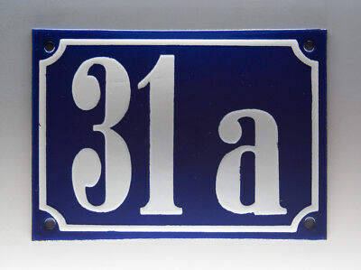 EMAILLE, EMAIL-HAUSNUMMER 31a in BLAU/WEISS um 1955