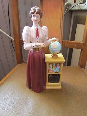 2010 Avon Lady Mrs Albee Porcelain Figurine Presidents Award
