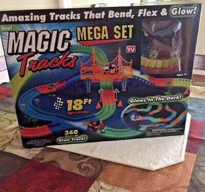 New Magic Tracks 18Ft 360 Pcs Mega Set With 2 Led Race Cars
