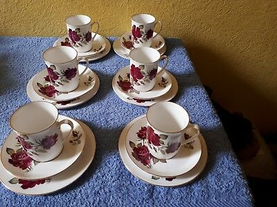 Windsor Bone China 18 piece tea/coffee set - white with roses on - VGC