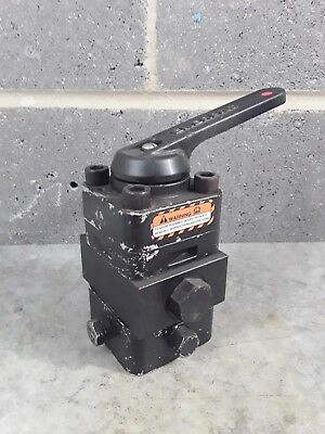Enerpac VC20L Manual Directional Valve 4 Way 3Position Closed Centre Locking *