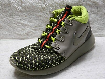 b8d9f0489edd Nike Roshe One Mid Winter Sneakerboots Boys Youth Size 5Y Green Gray FREE  S H