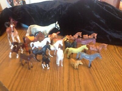 Lot of 21 small horses, crafts, cake decorations, or toys, various sizes