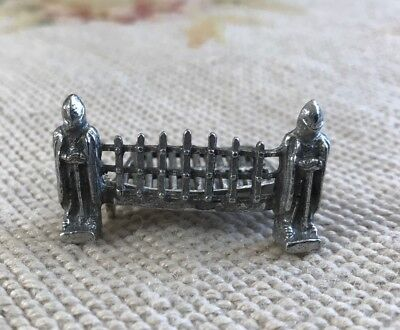 Bluette Meloney Dollhouse Miniature Estate Warwick Fireplace Grate W/Guard 523