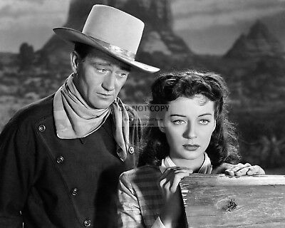 "John Wayne And Gail Russell In ""Angel And The Badman"" - 8X10 Photo (Ab-154)"
