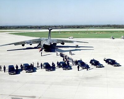 Remains Of The Challenger Astronauts Are Transferred - 8X10 Nasa Photo (Ab-190)