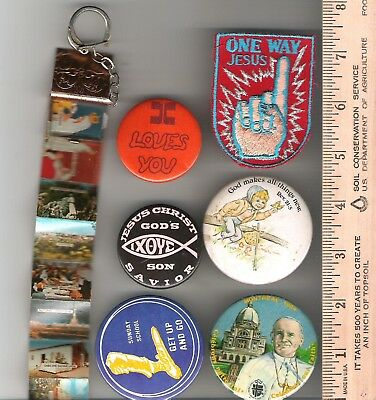 Collector buttons - Lot of 5 religious religion themed + keychain + 2 crests