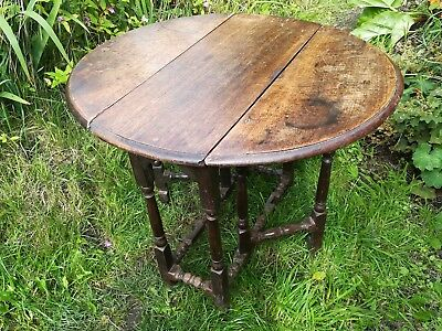 Antique Drop Leaf Wooden Table / Gate leg Table Round