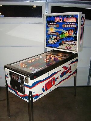 Space Mission Pinball Machine - By Williams