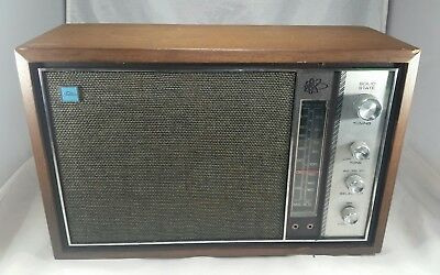 Vintage Toshiba Transistor Radio Model 11H-540F Solid State Made in Japan