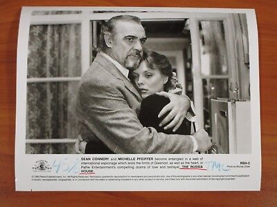 Vintage Glossy Press Photo Sean Connery & Michelle Pfeiffer, The Russia House