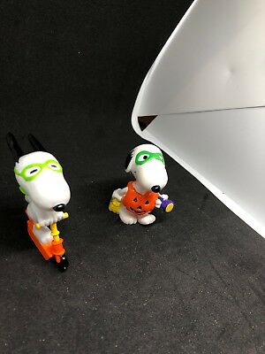 Trick or Treat Snoopy TWO Peanuts PVC 1980's Halloween Figures