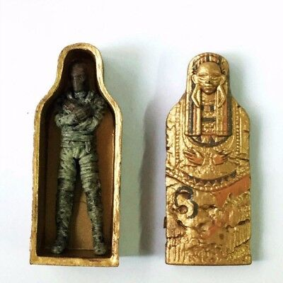 Golden Golden Pathfinder Battles Miniatures Dressing Sarcophagus - Dungeons Deep