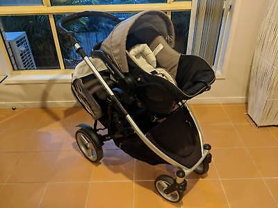 Steelcraft Strider Compact Pram with Extra Seat and Capsule