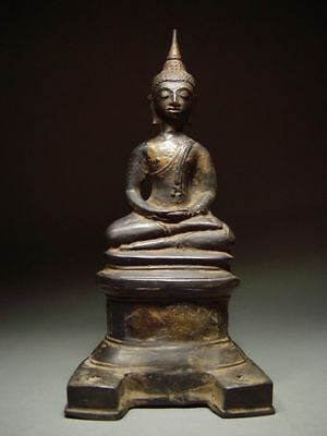 ANTIQUE BRONZE BURMESE AVA PERIOD ENTHRONED MEDITATING BUDDHA MYANMAR. Late 17th
