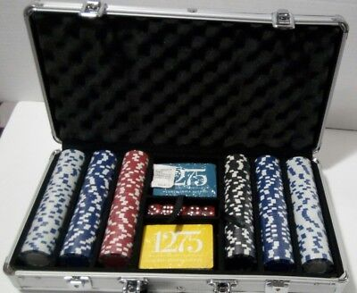 *NEW*  Willco 300 Pieces Poker Chip set in an Aluminum carrying Case