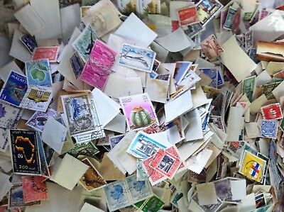Over 800 Worldwide Stamp Mixture Lot Mint & Used  Foreign Stamps