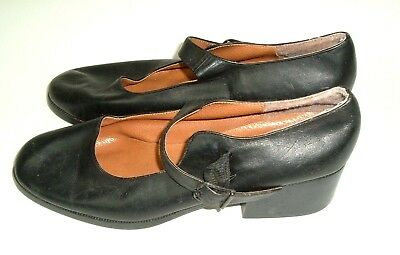 Prima Royale Womens Vtg 90s Black Mary Janes Pumps chunky leather 10M