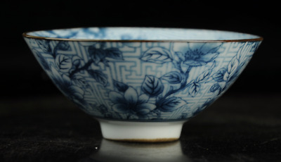 Chinese antique hand-made Blue and White porcelain flower pattern bowl a02