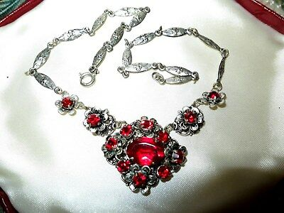 Beautiful vintage Art Deco ruby red glass rhinestone floral necklace
